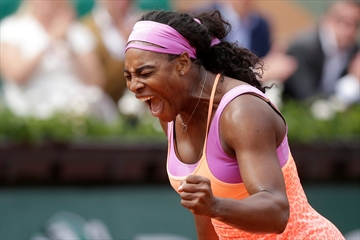 The Latest: Aches and pains bother Djokovic at French Open-Image1