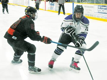 First-round series 'hockey heaven' for fans of Midland Flyers, Penetang Kings