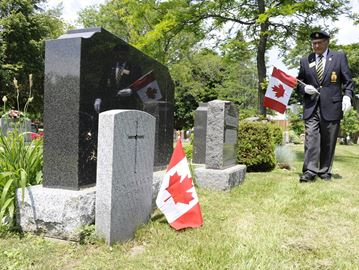 Local funeral home pays tribute to Oakville veterans for Canada Day