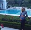 Paulina Gretzky expecting first child-Image1