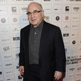 Bob Hoskins left entire estate to wife Linda-Image1