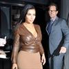 Kim Kardashian West pokes fun at selfie obsession -Image1