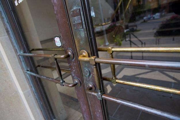 St. Catharines city hall art deco doors being restored