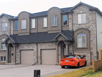 Off-campus housing in Thorold
