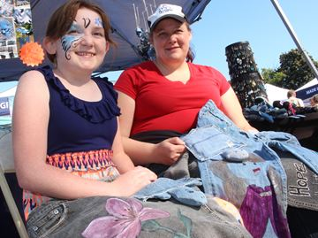 Stayner youth centre looks for new uses for old jeans