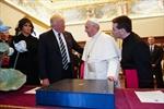 TRUMP_POPE_2