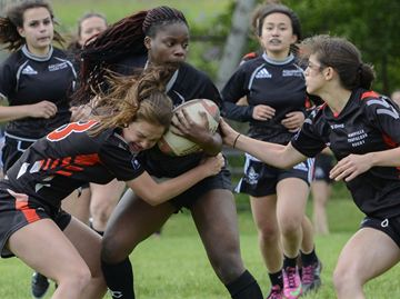 Oakville Trafalgar survives scare from Aquinas in Jr. girls' rugby final