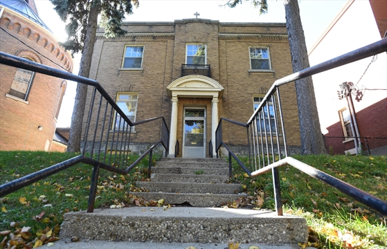 demolition threat fades for kitchener 39 s sacred heart convent. Black Bedroom Furniture Sets. Home Design Ideas