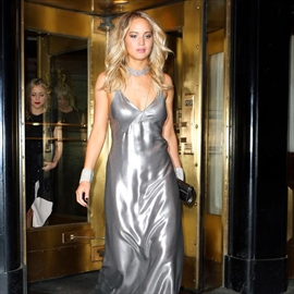 Jennifer Lawrence sorry for 'offensive' story-Image1