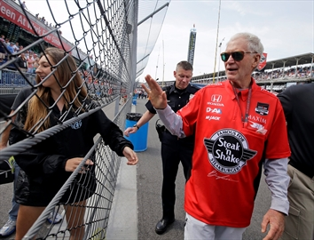 David Letterman drives into retirement with Indy 500 tribute-Image1