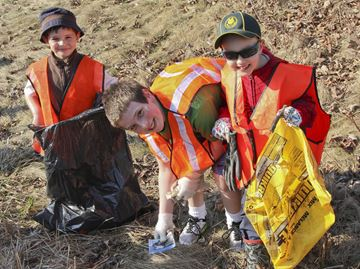 Greensville Optimists clean up for Earth Day