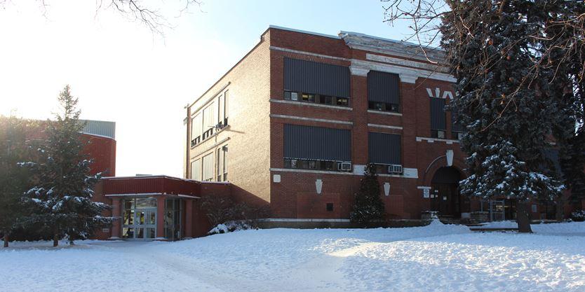 Hamilton Wentworth Catholic District Schoolboard: Hamilton-Wentworth District School Board Weighs