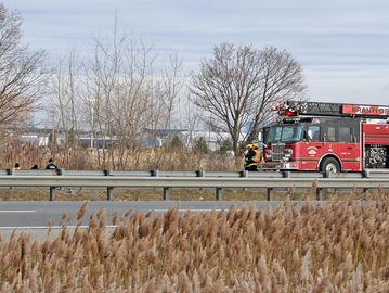 Crash closes Highway 403
