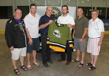 Signing Powassan Forward