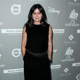 Shannen Doherty thanks Chelsea Handler for support-Image1