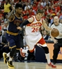 Hawks' Kyle Korver out for the playoffs with sprained ankle-Image1