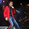 Sir Cliff Richard awarded 'more than 1m damages' -Image1