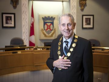 Milton Mayor Gord Krantz makes history