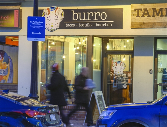 Restaurant review burro brings tacos and more to for Buro restaurant