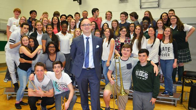 Holy Cross teacher gets federal honour