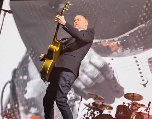 Bryan Adams Headlining New Year S Eve In Niagara Falls