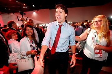 Trudeau unites Grits over open party-Image1
