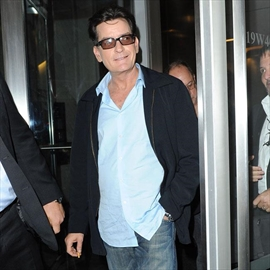 Charlie Sheen blasts doctor -Image1