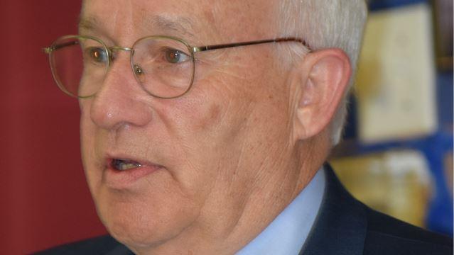 Mayor Tom Peckett