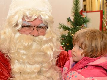 Meaford window unveiling a hit with all ages