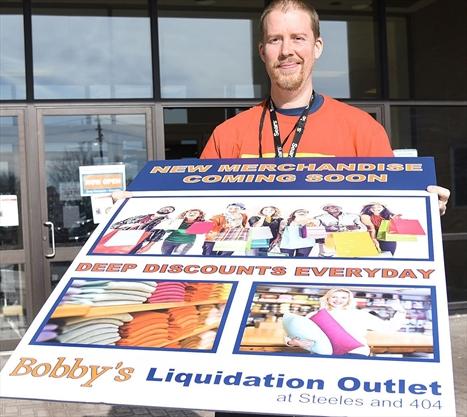 Bobby 39 s liquidation outlet sets up shop at former markham for Super liquidation