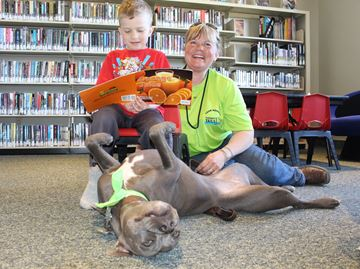 Rescue dog helps Clearview kids learn to read