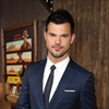 Britney Spears tried to get Taylor Lautner to date her sister-Image1