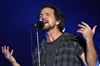 Pearl Jam's Vedder pays tribute to Downie-Image1