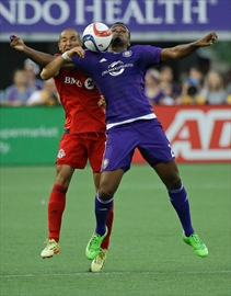 Altidore scores twice to snap Toronto's 4-game skid-Image1