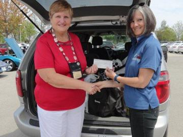Wasaga 'Vette club spring flings contribution to food bank