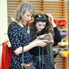 Lorde mistaken for Taylor Swift's manager-Image1