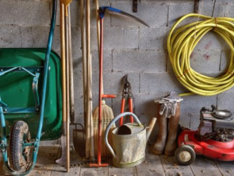 How to prepare your garden tools for the winter - How to prepare garden for winter ...