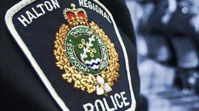 Halton police looking for white pickup truck following hit and run in Oakville