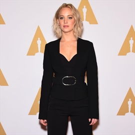 Jennifer Lawrence: 'I almost killed someone by scratching my butt'-Image1