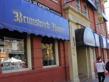 Brunswick House may make way for ... Boston Pizza?