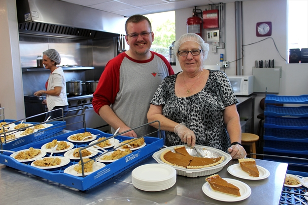 'Everyone deserves a Thanksgiving dinner': Hope Centre serves up holiday meal