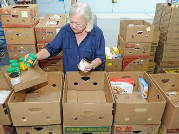 Oakville student volunteers still needed for Fare Share's Thanksgiving food drive