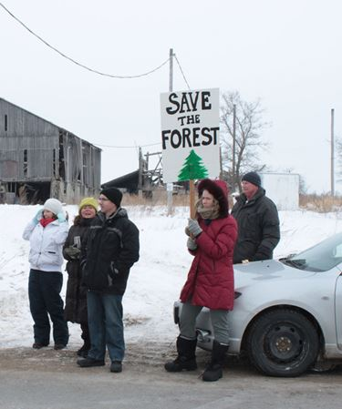 Residents protest to save Beeton forest