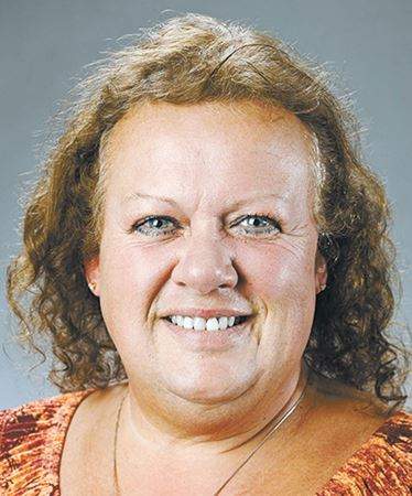 Public school board trustee Karen Round resigns