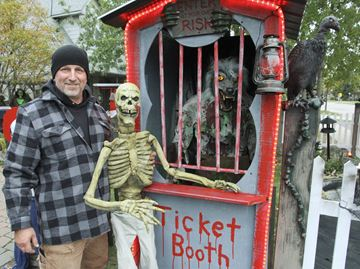 Burlington man transforms front yard into haunted 'circus' for Oct. 31