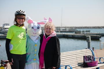 Town Councillor and Cycle Oakville co-founder Pam Damoff, the Easter bunny, and Ann Sargent of the Bronte BIA.