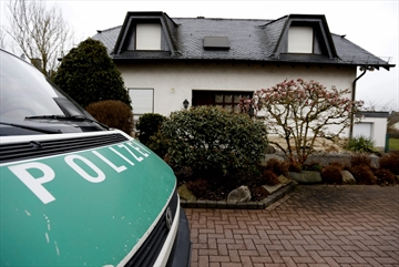 Prosecutors: Evidence Germanwings co-pilot hid illness-Image1