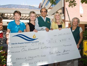 Oakville hospital's SMILE program gets $1,000 Community Fund grant