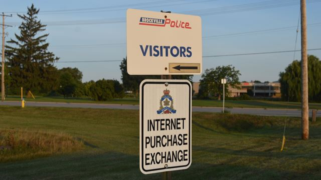 Internet purchase exchange space in Brockville