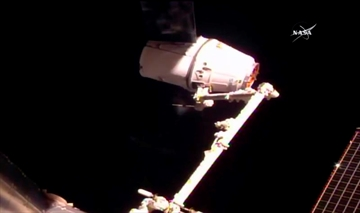 SpaceX makes good on space station delivery a little late-Image1